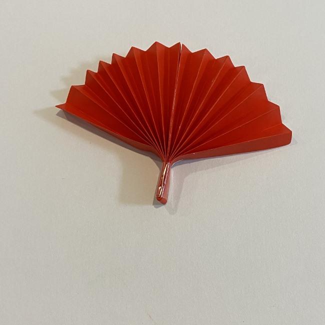 カーネーションの折り紙 幼稚園の子どもでも簡単!折り方作り方 (12)