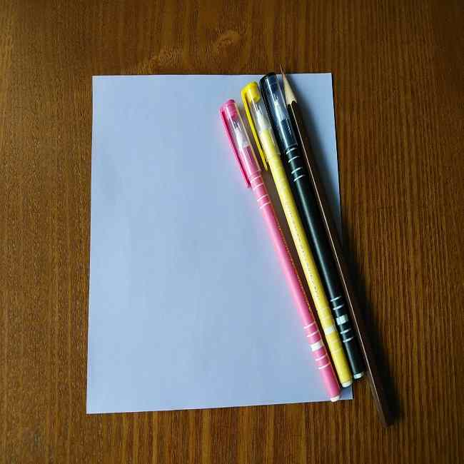 セーラームーン ルナの折り紙*用意するもの