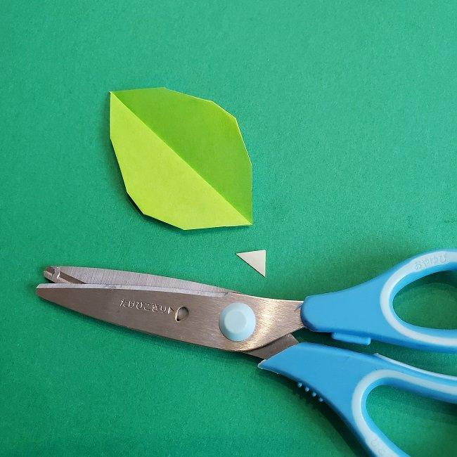 トトロの葉っぱの折り紙 (8)