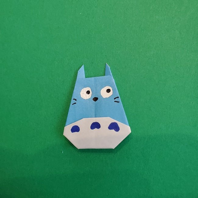 折り紙でつくる簡単かわいい中トトロ