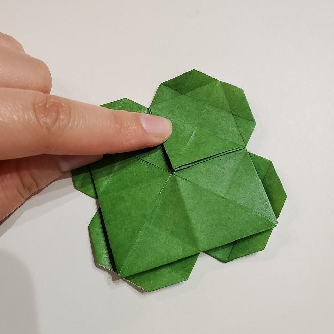 折り紙のクローバー(4枚ver折り方・作り方2四葉へ (6)