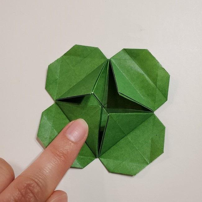 折り紙のクローバー(4枚ver折り方・作り方2四葉へ (7)