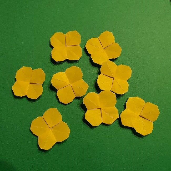折り紙の菜の花のリースの作り方 (11)