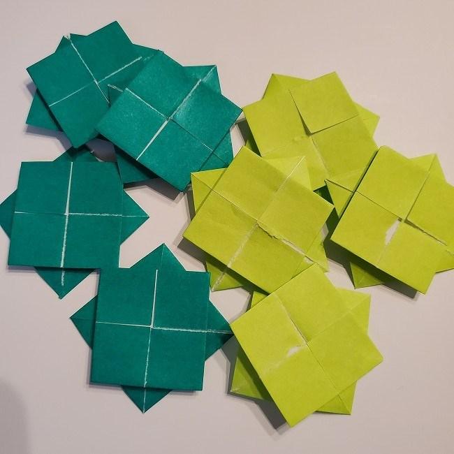 折り紙の菜の花のリースの作り方1パーツ (10)