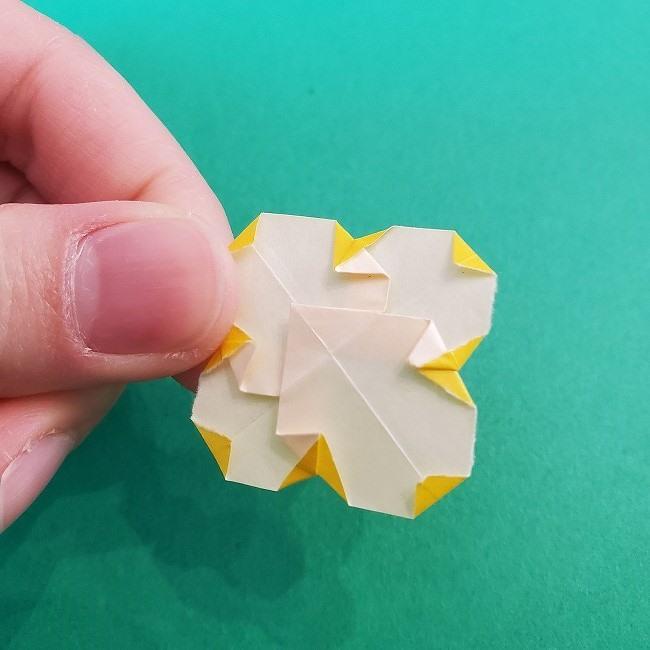 折り紙 菜の花(立体)の折り方作り方1花 (23)