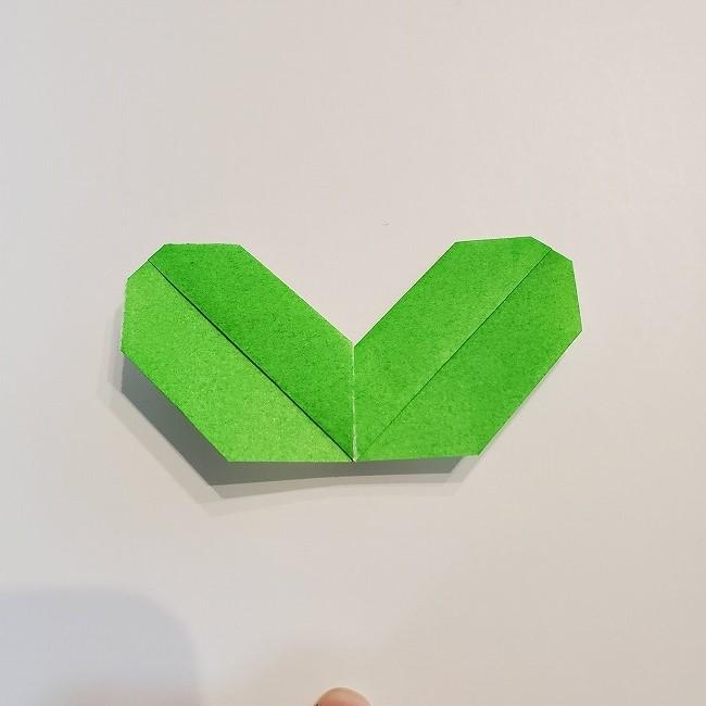 菜の花の折り紙 葉っぱの作り方・折り方 (18)