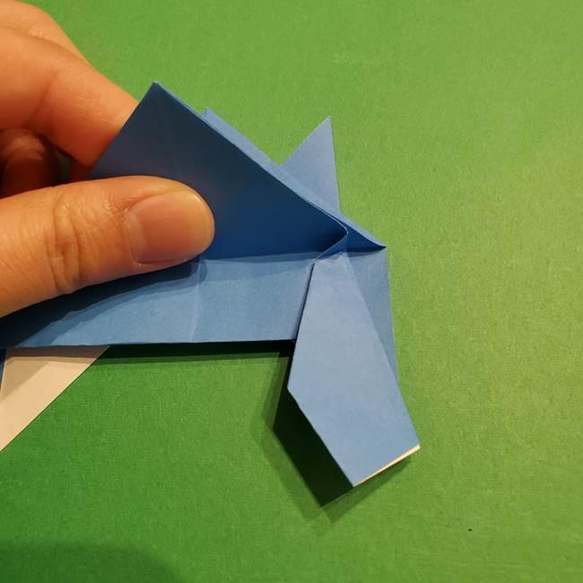 ポケモンの折り紙 リオルの折り方作り方(25)