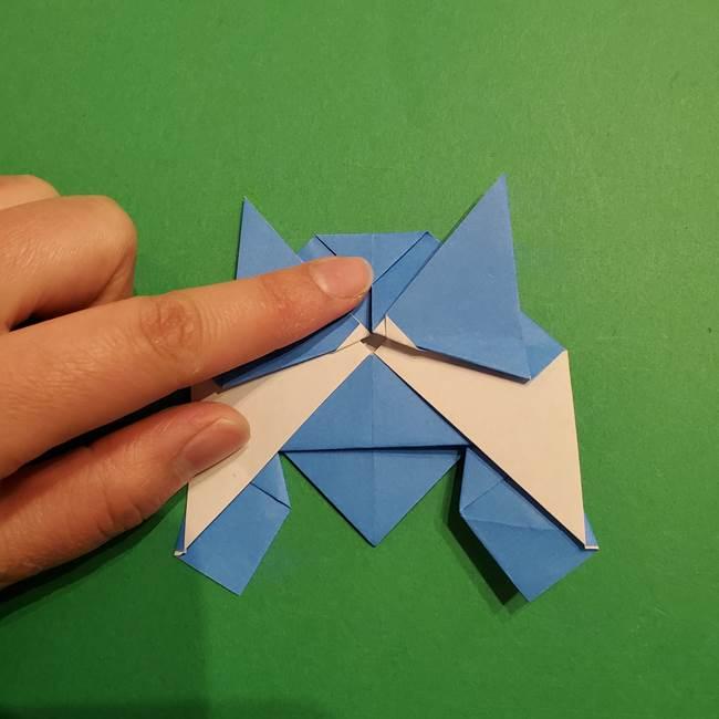 ポケモンの折り紙 リオルの折り方作り方(29)