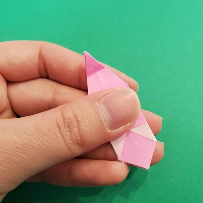 折り紙のアイスクリームコーン 立体的な折り方作り方2(27)