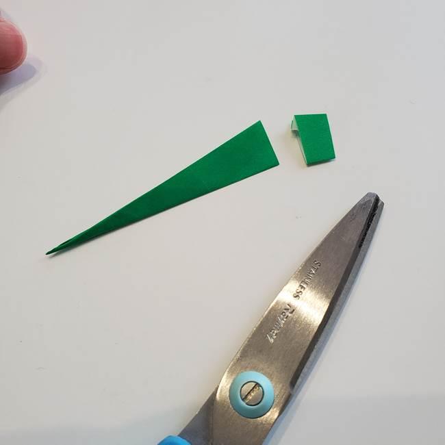 折り紙「カーネーションの葉っぱ」の折り方作り方①葉っぱ(12)