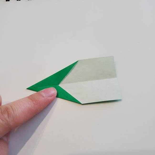 折り紙「カーネーションの葉っぱ」の折り方作り方①葉っぱ(9)