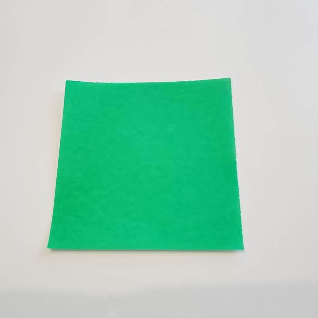 折り紙でカーネーションの葉っぱを作るのに必要な材料と道具(1)