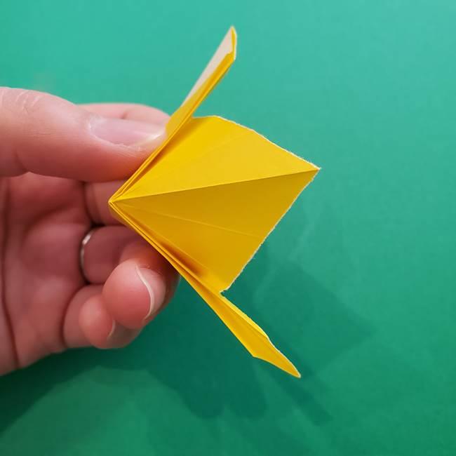 折り紙のダリア 16枚で立体的な折り方①上段(20)