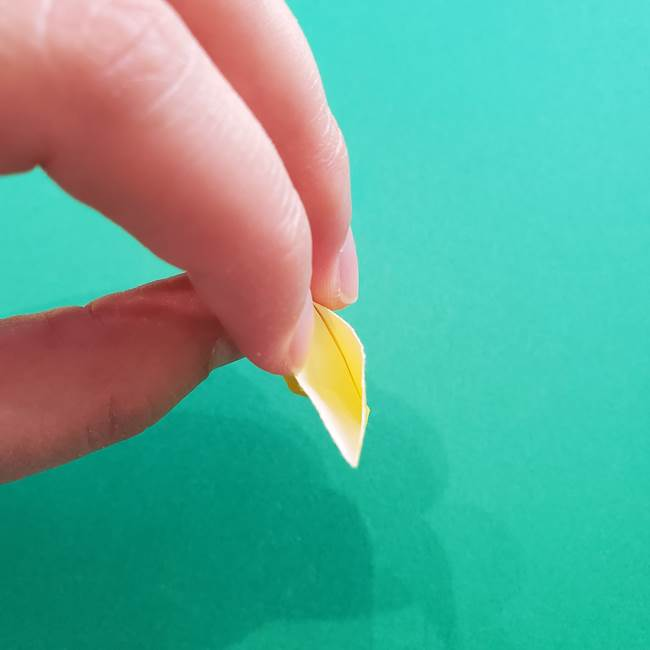 折り紙のダリア 16枚で立体的な折り方①上段(23)
