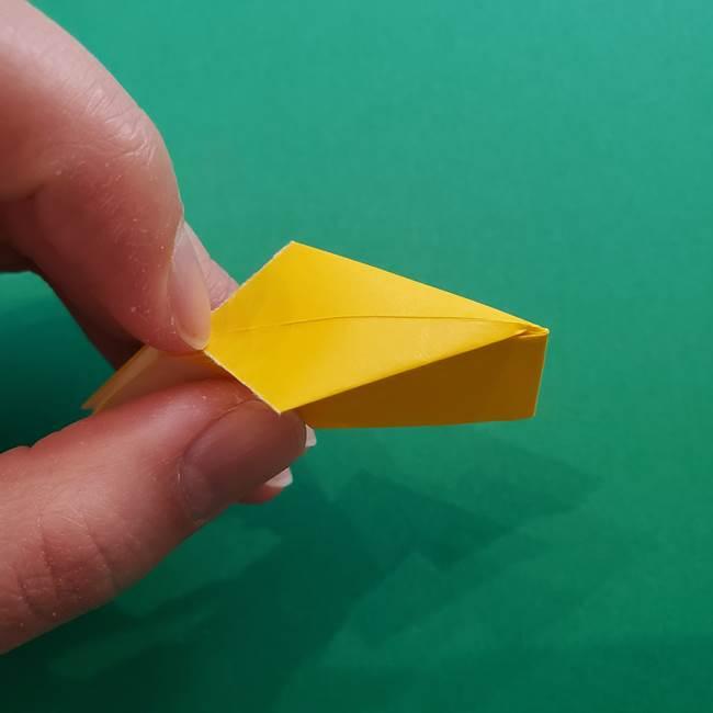 折り紙のダリア 16枚で立体的な折り方①上段(24)