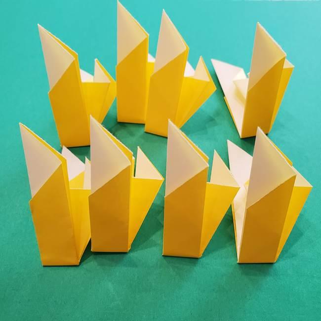 折り紙のダリア 16枚で立体的な折り方①上段(27)