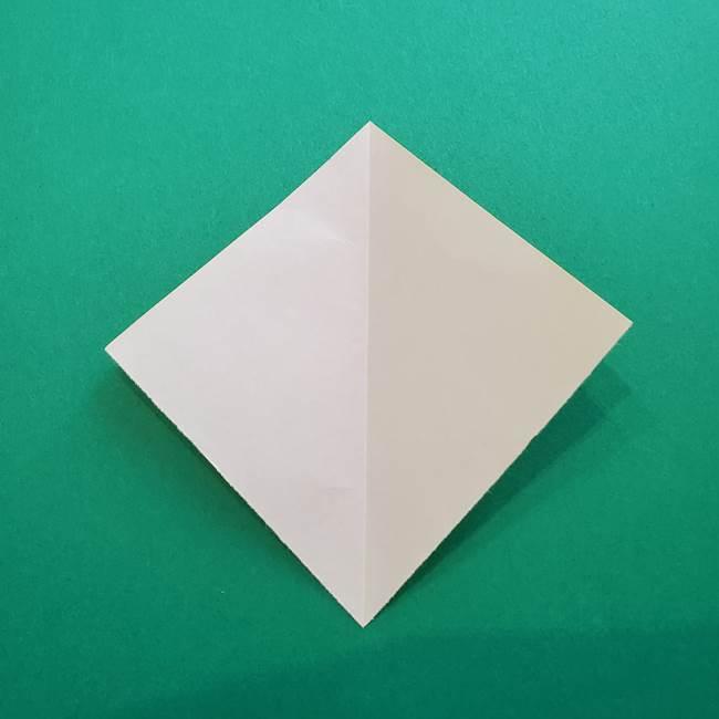 折り紙のダリア 16枚で立体的な折り方①上段(3)