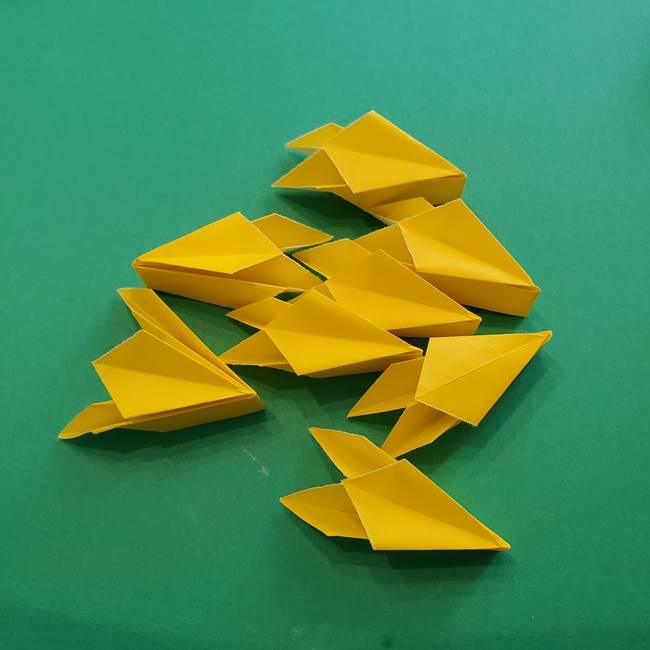 折り紙のダリア 16枚で立体的な折り方③完成(18)