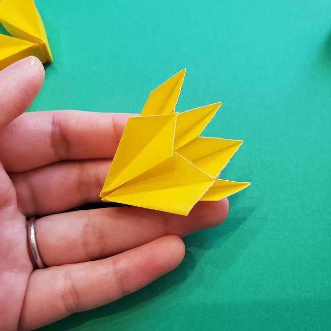 折り紙のダリア 16枚で立体的な折り方③完成(20)