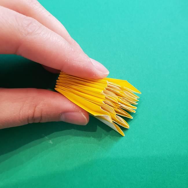 折り紙のダリア 16枚で立体的な折り方③完成(21)