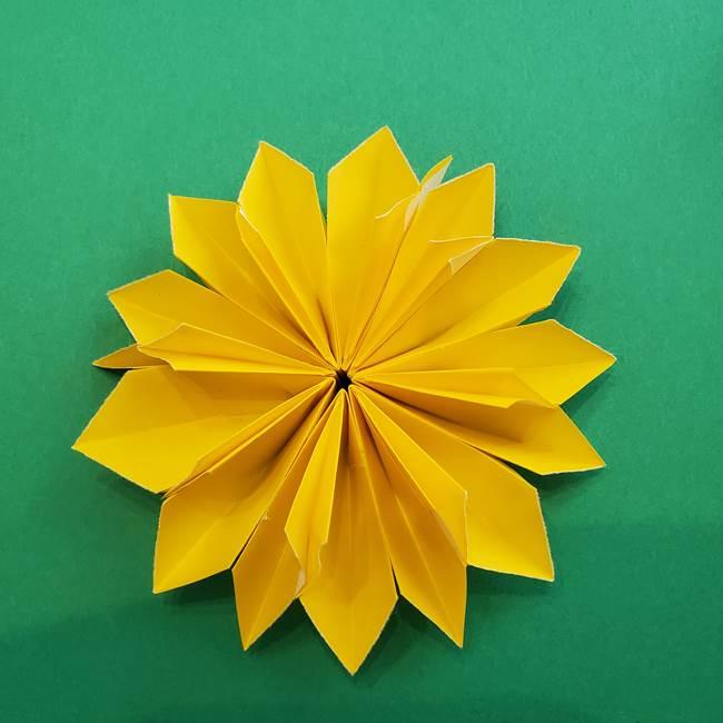 折り紙のダリア 16枚で立体的な折り方③完成(22)