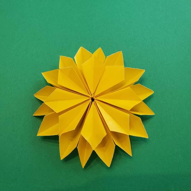 折り紙のダリア 16枚で立体的な折り方③完成(23)