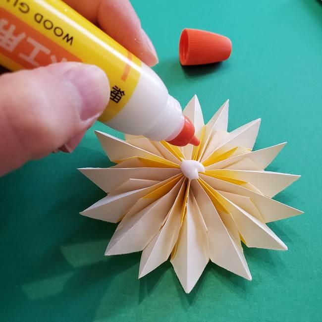 折り紙のダリア 16枚で立体的な折り方③完成(25)