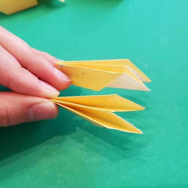 折り紙のダリア 16枚で立体的な折り方③完成(7)