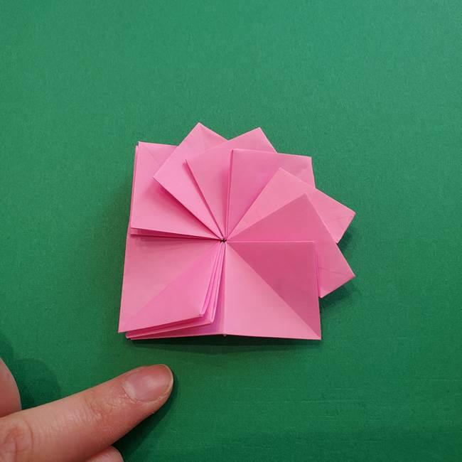 折り紙の花ダリア(12枚)の折り方作り方②折る(14)
