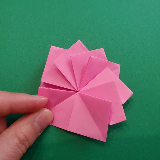 折り紙の花ダリア(12枚)の折り方作り方②折る(15)