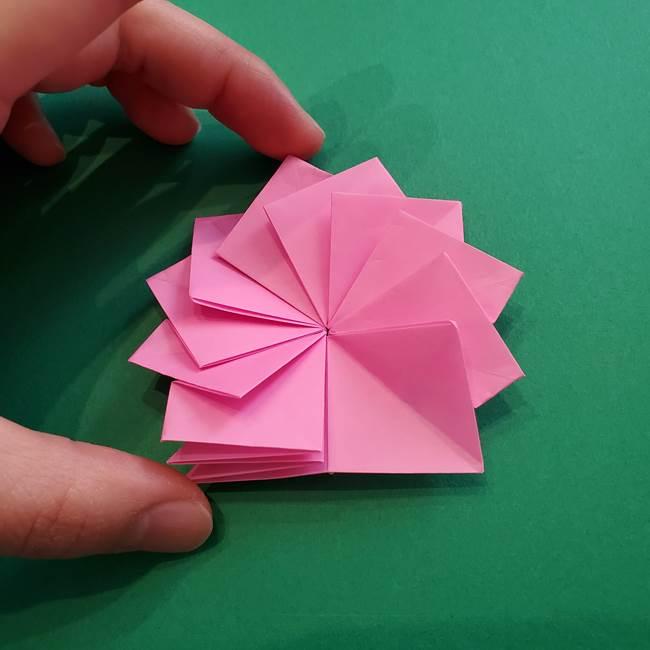 折り紙の花ダリア(12枚)の折り方作り方②折る(16)