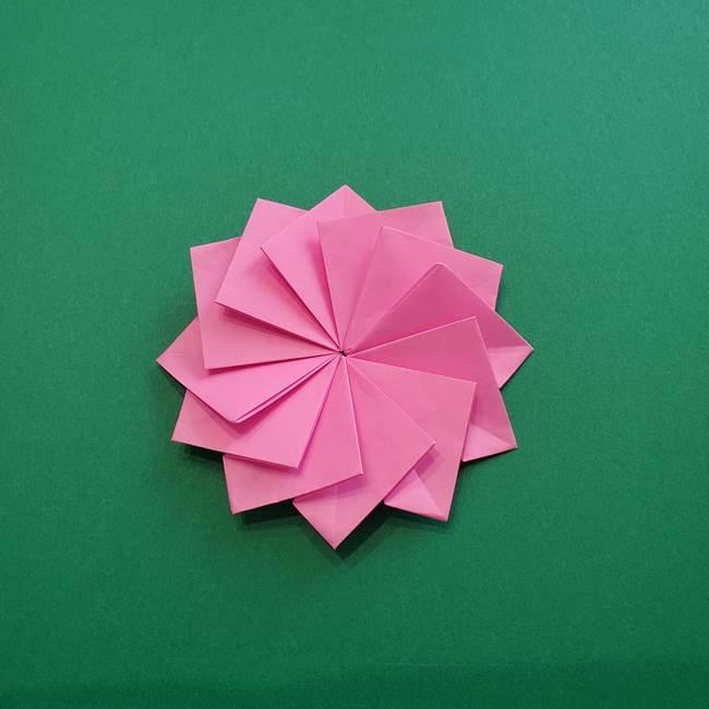 折り紙の花ダリア(12枚)の折り方作り方②折る(17)