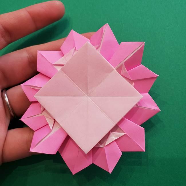 折り紙の花ダリア(12枚)の折り方作り方②折る(21)