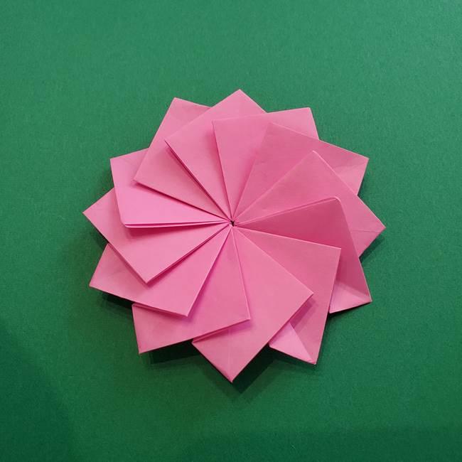 折り紙の花ダリア(12枚)の折り方作り方②折る(22)