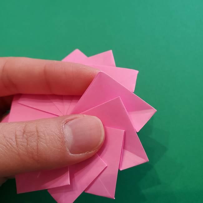 折り紙の花ダリア(12枚)の折り方作り方②折る(23)