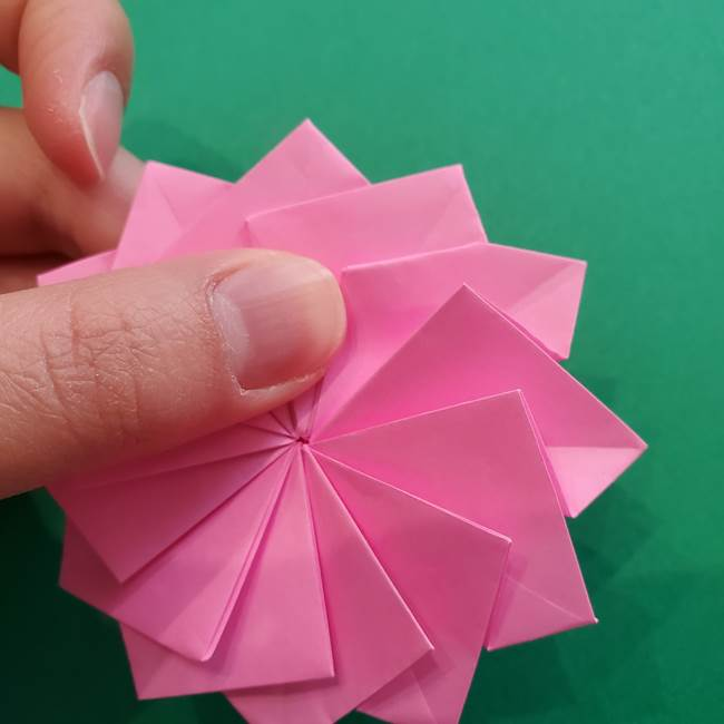 折り紙の花ダリア(12枚)の折り方作り方②折る(24)