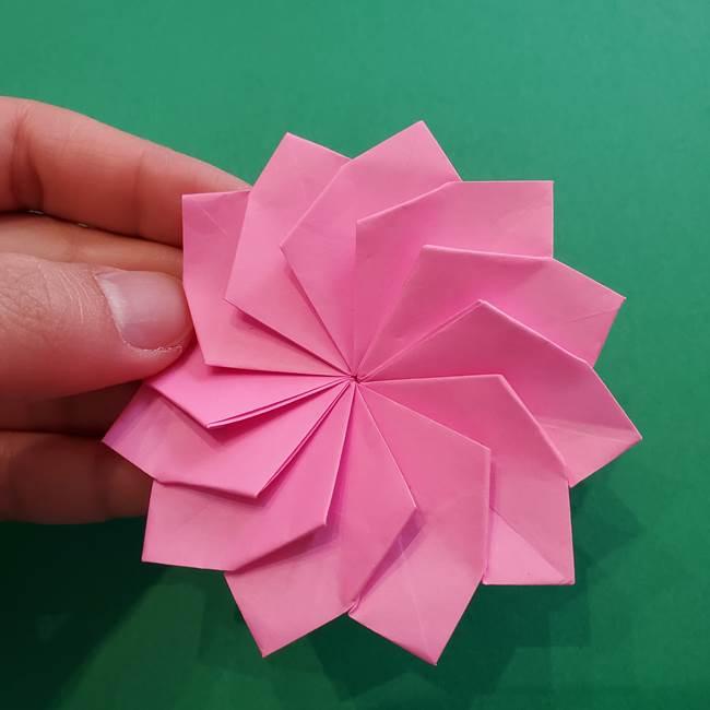 折り紙の花ダリア(12枚)の折り方作り方②折る(25)