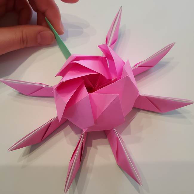 折り紙の蓮(ハス)の花☆立体的な作り方折り方③完成(21)