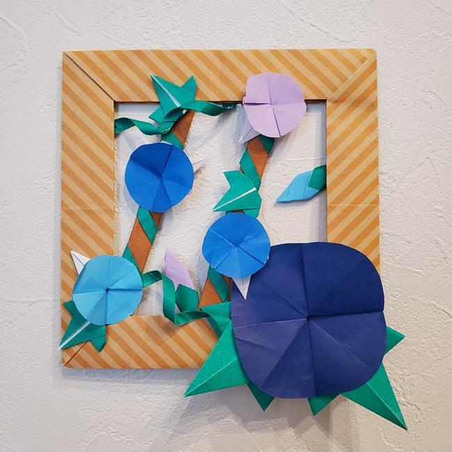朝顔の折り紙で壁画を制作☆立体感ある季節の壁面フレームはデイサービスにも最適♪