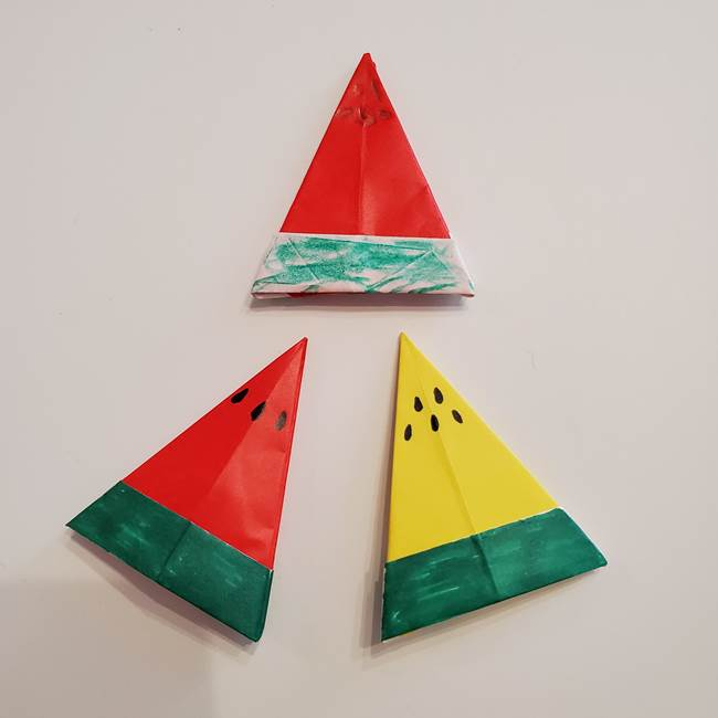 7月8月の折り紙 スイカ(三角形・両面OK♪)の作り方折り方☆七夕飾りにも♪