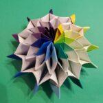 8月の折り紙「花火」12枚で作る作り方折り方☆形が変化する立体的で豪華な夏飾り