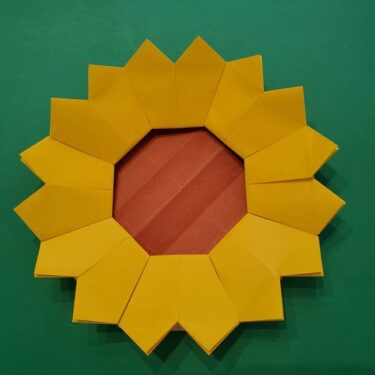 ひまわりの折り紙 8枚の花びらでも簡単!平面で子どもも喜ぶ折り方作り方