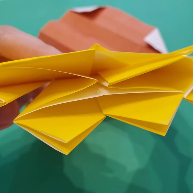 ひまわりの折り紙(8枚の花びら)の折り方作り方③組み合わせ(13)