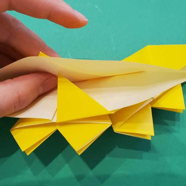 ひまわりの折り紙(8枚の花びら)の折り方作り方③組み合わせ(7)