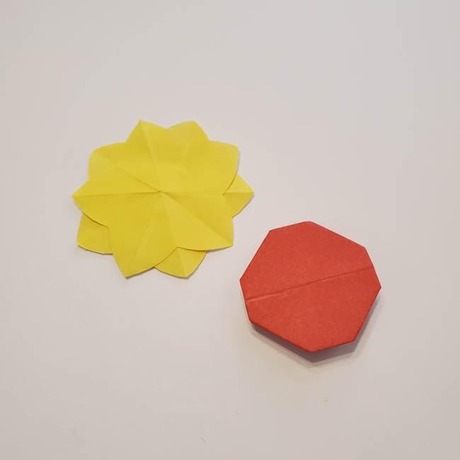 折り紙のひまわり メダルとコースターの折り方作り方②中心(8)