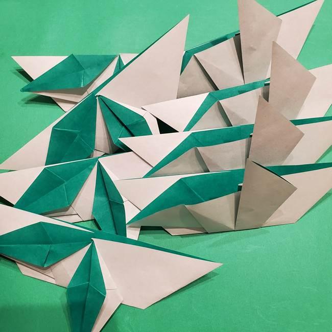 折り紙 笹の葉リースの作り方③組み合わせて完成(1)