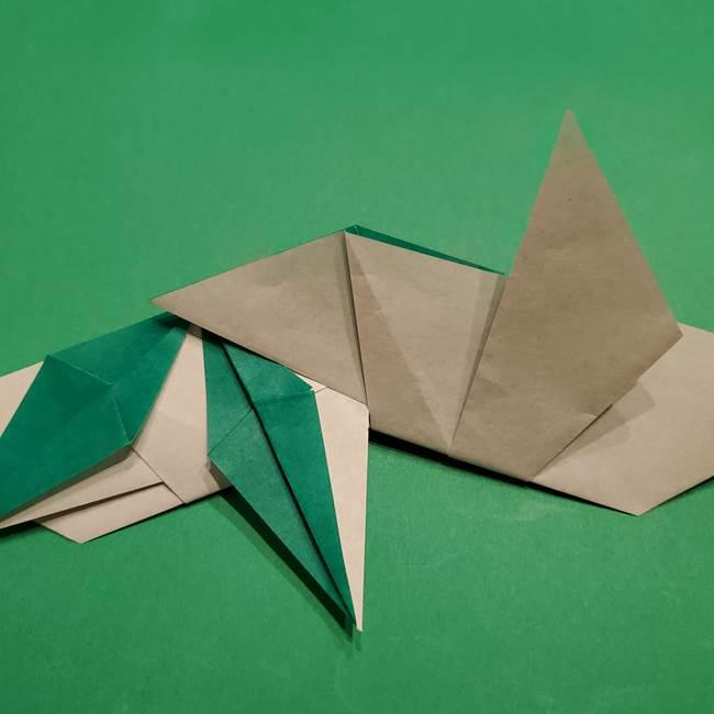 折り紙 笹の葉リースの作り方③組み合わせて完成(13)
