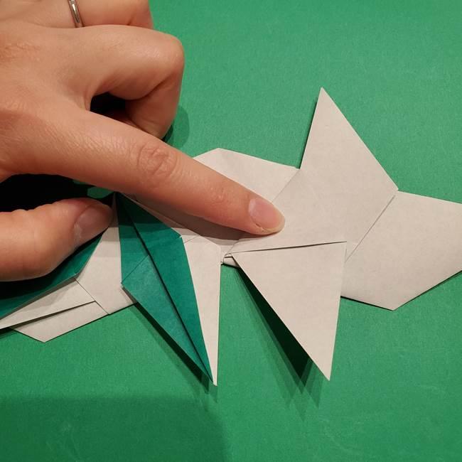 折り紙 笹の葉リースの作り方③組み合わせて完成(14)