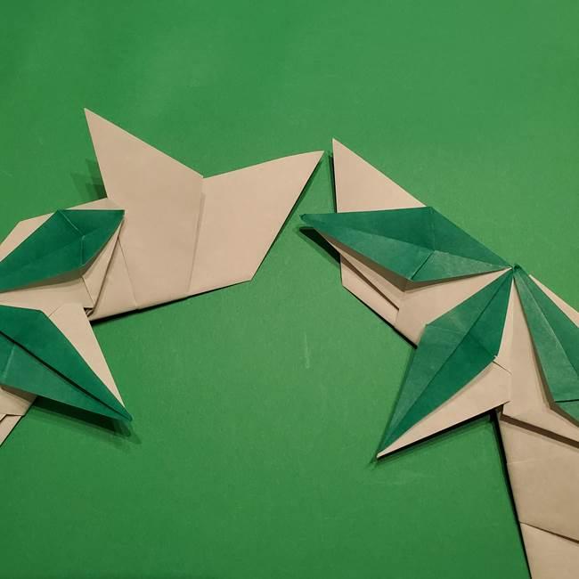 折り紙 笹の葉リースの作り方③組み合わせて完成(19)
