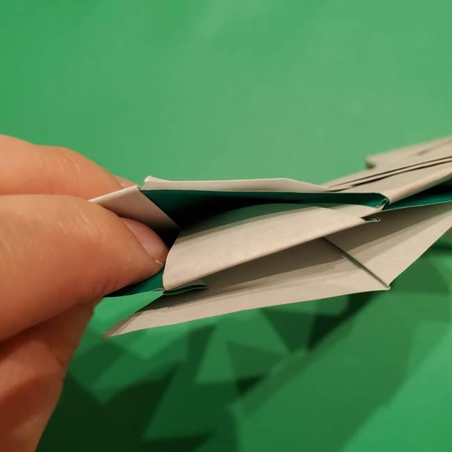 折り紙 笹の葉リースの作り方③組み合わせて完成(26)